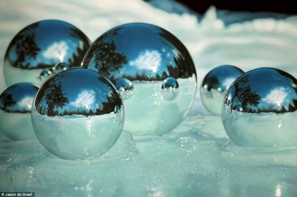 Picture-10 ( 30 Hyper-Realistic Acrylic Paintings by JasondeGraaf - Glass and Reflection )